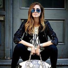 280e818df0e BLUE GOLD RayBan Aviator Classic Sunglasses Pilot Style Standard Size 58mm   fashion  clothing