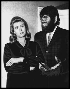 Elizabeth Montgomery and Dick York Scary for Holloween :-).A great team!They worked great together!