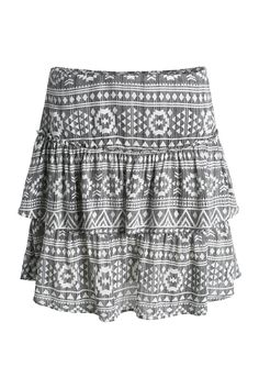 Print skirt. Mine is slightly different in a black/white pattern. August 2015.