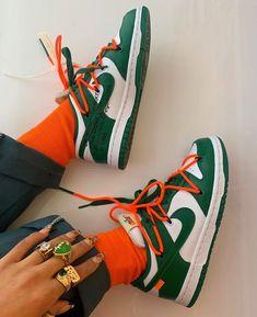 Pinner: Rinusfleur - Alani Figueroa wearing 'Nike x Off-White Dunk Low' Sneakers Mode, Sneakers Fashion, Green Sneakers, Fashion Shoes, Nike Dunks, Zapatillas Nike Jordan, Aesthetic Shoes, Hype Shoes, Fresh Shoes
