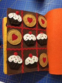 """O tradicional """"jogo do galo"""" Começa quem tem os cupcakes !"""
