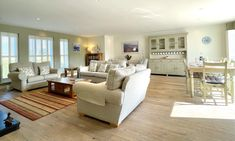 New England Style, England Fashion, Beach House, Divider, Luxury, Room, Furniture, Home Decor, Beach Homes