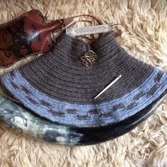 Viking neck warmer Nalbinded in Jacobs and Icelandic wool