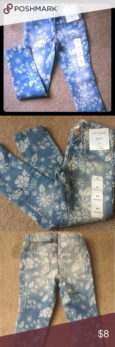 NWT! Girls size 6.Skinny stretchy jeans(jeggjngs) Adorable girls jeans with Flower design Cat and Jack Bottoms Jeans