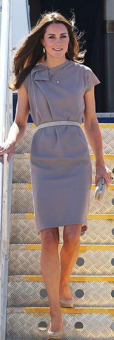 Kate Middleton: Dress – Roksanda Ilincic  Earrings – Catherine Zoraida  Shoes- L.K. Bennett