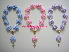 Christening Favors, Baptism Favors, Fun Crafts For Kids, Diy And Crafts, Diy Christmas Angel Ornaments, First Communion Favors, Beaded Angels, Catholic Crafts, Polymer Clay Miniatures