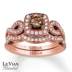 Le Vian Bridal Set... Mine is similar, I love how the band hugs it!