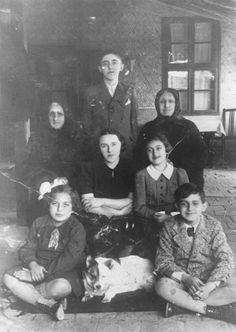 Kaba, Hungary, 1910, A Jewish family of the town. The elderly woman in the photograph was sent to Auschwitz in 1944, when she was 105 years old.