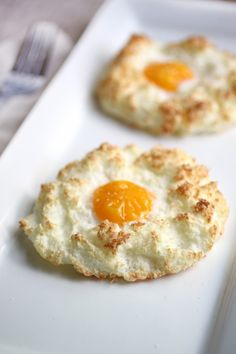 Coconut nested eggs... not sure about the taste, they sure look cute though! #21dsd #paleo