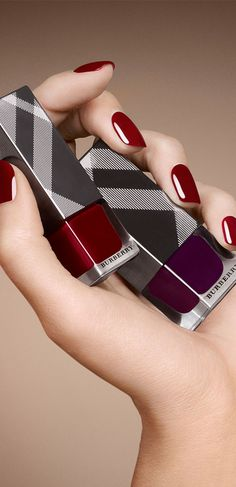 New pigmented nail shades from #Burberry Beauty for A/W14