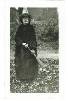 Halloween costume (1950s)