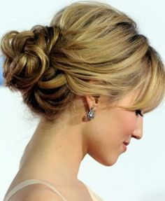 Image from http://nubry.com/wp-content/uploads/2014/02/Valentines-Day-Updo.jpeg.