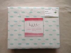 Sheet Set Includes: One flat sheet, one fitted sheet and one standard pillowcase. Machine Washable - Tumble Dry. This twin-size sheet set is beautiful. The sheet set is a contemporary design with soft mint green dragonflies all over.