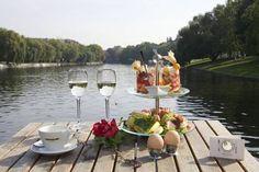 Vanloon: Restaurantschiffe  - Flo and susans party