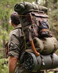 Best bushcraft know-hows that all survival lovers will definitely desire to know now. This is basics for bushcraft survival and will defend your life. Bushcraft Backpack, Bushcraft Gear, Bushcraft Camping, Camping Survival, Outdoor Survival, Survival Gear, Survival Skills, Camping Gear, Camping Hacks