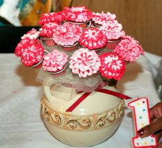 Children's Birthday Cakes - cupcake flower vase