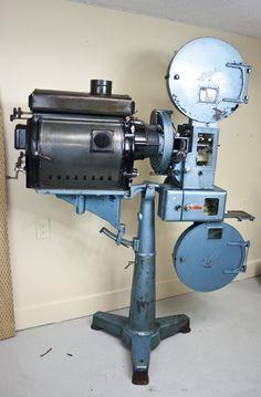 "1930's Century Model ""K"" 35 mm Movie Projector with Arc Lamp   eBay $500"