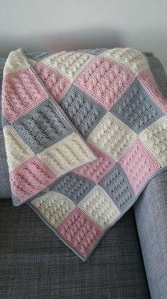 Best 12 Kaðlabútateppi / cable square blanked pattern by Auður Björt Skúladóttir Pink Baby Blanket, Baby Blanket Crochet, Crochet Baby, Easy Knit Blanket, Single Crochet, Free Crochet, Diy Crafts Knitting, Free Knitting, Baby Afghan Crochet Patterns
