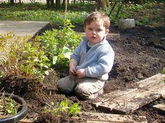El sonido de la hierba al crecer: Estimulación olfativa 2 Garden Sculpture, Outdoor Decor, Grow Taller, Herbs, Activities
