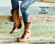 Smokin' Fall Fashion from Rock & Roll Cowgirl - Page 5 of 12 - Cowgirl Magazine Best Cowboy Boots, Brown Cowboy Boots, Cowgirl Boots, Cowgirl Outfits, Mode Country, Country Style, Western Riding Boots, Breaking In Shoes, How To Stretch Boots