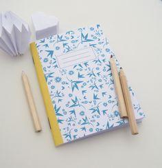 Carnet A6 illustré de petites fleurs : Carnets, agendas par papierpapier