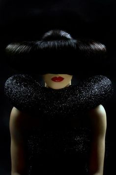 How mysterious and sophisticated! Hair, makeup and photography by Antonio Calvo of Spain.