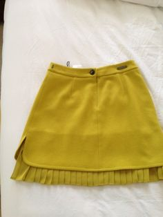 LOVE this colour // Max Mara Skirt