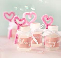 Lembrancinha de casamento com bolas de sabão