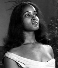 Vintage Black Glamour, Vintage Beauty, Beautiful Hairstyles, Natural Hairstyles, Marpessa Dawn, Black Orpheus, Classic Actresses, Black Girl Aesthetic, Wonder Women