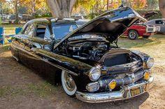 Sedan Merc in restored vintage custom. Pic 2