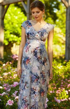 Work classic head-to-toe vintage style, with the Floral Maxi Dress in Vintage Bloom.
