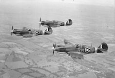 The Curtiss Warhawk , in the Royal Air Force became the Tomahawk and later models Kittyhawk . Ww2 Aircraft, Fighter Aircraft, Military Aircraft, Fighter Jets, Commonwealth, Raf Bases, Heavy Cruiser, Air And Space Museum, Royal Air Force
