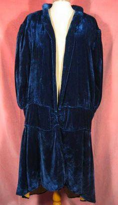 1920s Blue Velvet Cape