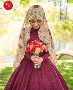 Muslim bride uploaded by Sylphide on We Heart It Muslimah Wedding Dress, Muslim Brides, Pakistani Wedding Dresses, Modest Wedding Dresses, Wedding Party Dresses, Bridal Dresses, Wedding Cakes, Muslim Couples, Bridal Hijab