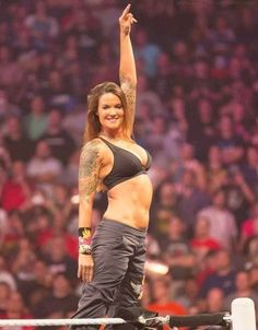 Lita one of the high flying Divas from The WWE Attitude Era. Wrestling Superstars, Wrestling Divas, Women's Wrestling, Shawn Michaels, Wwe Lita, Wwe Trish, Watch Wrestling, Wwe Female Wrestlers, Wwe Girls