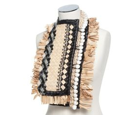Maryann Talia Palau 'Please, can I weave with you? Ethnic Fashion, I Love Fashion, Craft Victoria, Textiles, Contemporary Jewellery, Traditional Outfits, Textile Design, Beauty Women, Bag Accessories