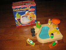 VINTAGE Vintage Fisher-Price Swimming Pool Little People Playset #2526 in Box