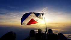 The 'Red Peak' flag will not be an option in the flag referendum despite growing support for the fifth flag alternative.