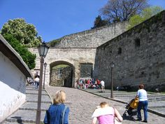 eger hungary castle | File:IMG 0454 - Hungary, Eger - Castle.JPG - Wikipedia, the free ...