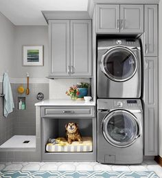 Laundry room with stacked washer/dryer, a built-in dog bed and a dog wash. Laundry Room Organization, Laundry Room Design, Laundry Organizer, Kitchen Design, Small Storage, Diy Storage, Small Shelves, Storage Ideas, Storage Shelves