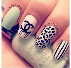 I like the design and i love when nails have different designs on each finger #adorbs