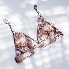 lingerie on we heart it Belle Lingerie, Lingerie Fine, Pretty Lingerie, Beautiful Lingerie, Lace Lingerie, Look Body, Classy Women, Mode Inspiration, Mode Style