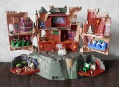 HARRY POTTER, Poudlard, château type Polly Pocket, avec sons et animations, 2001