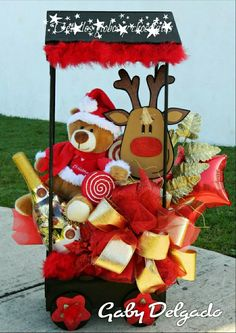 Christmas Gift Baskets, Homemade Christmas Gifts, Xmas Gifts, Christmas Cookies, Christmas Diy, Christmas Ornaments, Candy Bouquet, Balloon Bouquet, Balloon Decorations