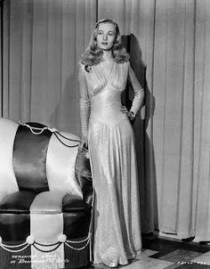.História da Moda.: 1940: Militarismo, New Look e Carmen Miranda                                                                                                                                                     Mais