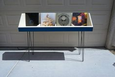 Fully customizable vinyl record stand 4 compartment