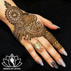 Collection of creative & unique mehndi-henna designs for girls Henna Hand Designs, Dulhan Mehndi Designs, Mehandi Designs, Mehndi Designs Finger, Mehndi Designs Book, Mehndi Design Pictures, Mehndi Designs For Girls, Wedding Mehndi Designs, Mehndi Designs For Fingers
