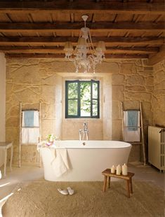 Captivating rustic home in the Spanish countryside with modern charm Best Haus Deko IDeen Diy Bathroom, Bathroom Interior, Modern Bathroom, Feminine Bathroom, Design Bathroom, Bad Inspiration, Bathroom Inspiration, Style At Home, Stone Houses
