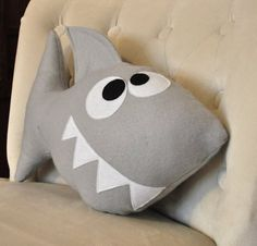 Baby Shark Plush Pattern PDF Tutorial and Printable Templates -Chomp the Shark Pillow Pattern- Hai Plüsch Muster PDF Tutorial und druckfähige von bedbuggspatterns Shark Pillow, Shark Plush, Baby Pillows, Plush Pillow, Cute Baby Shower Gifts, Plush Pattern, Sewing Toys, Sewing Projects For Beginners, Diy Projects