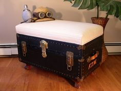 How To Refinish Old Trunk Or Chest Painting Old Trunks Incredible The Best Steamer Trunk Ideas Images On Vintage With Restore Old Trunk Chest Wooden Trunks, Old Trunks, Vintage Trunks, Trunks And Chests, Antique Trunks, Trunk Furniture, Repurposed Furniture, Furniture Projects, Furniture Makeover